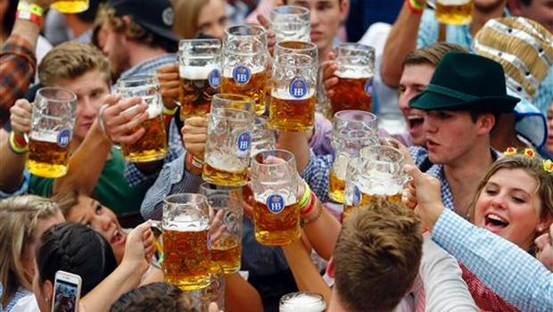 Beer Oktoberfest_AP