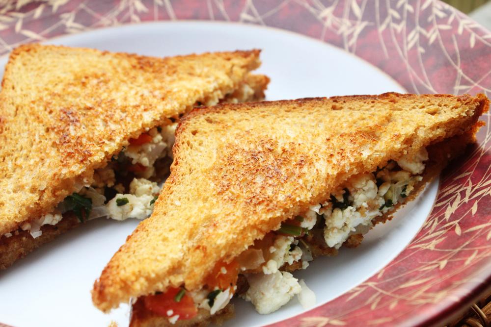 scrambled-paneer-sandwich1